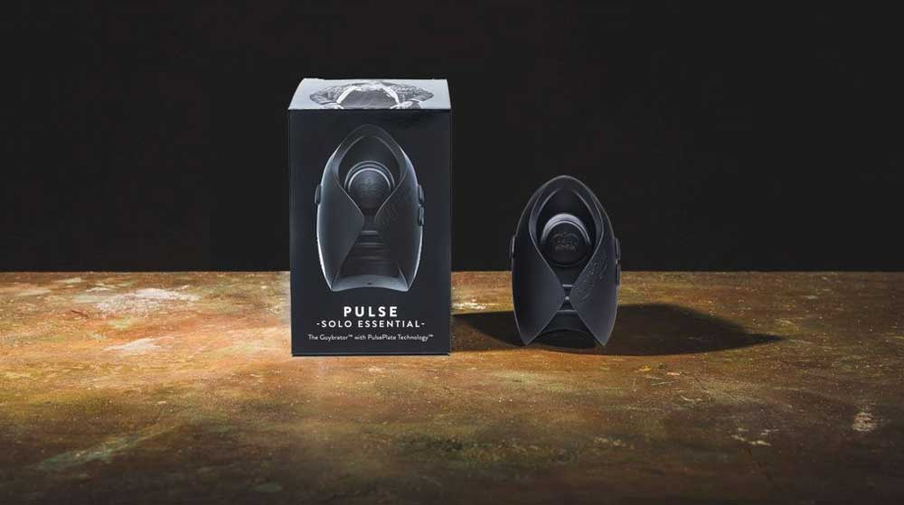 PULSE SOLO ESSENTIAL product and box isolated on black