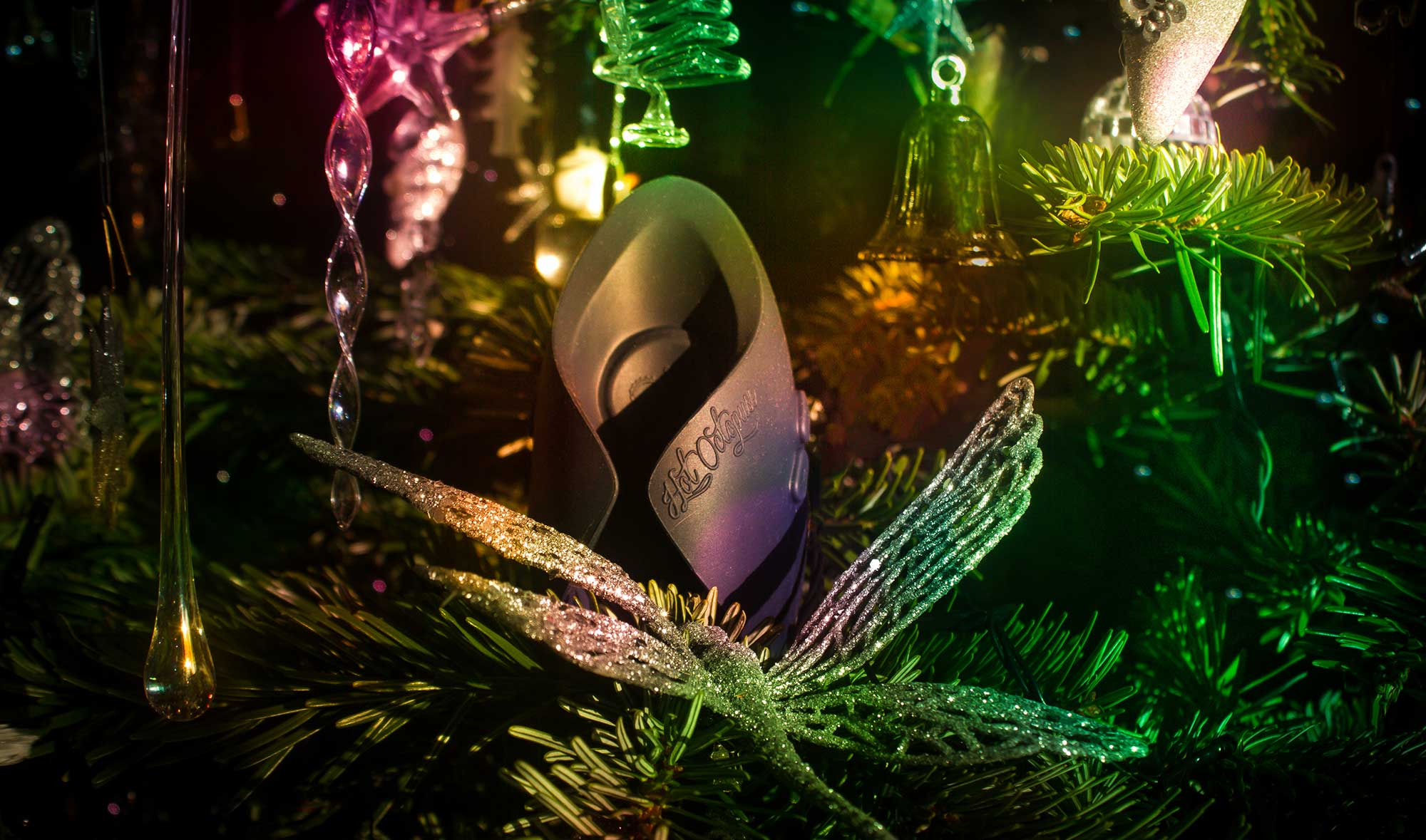 PULSE SOLO Lux hidden in the illuminated Christmas tree