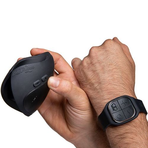 Show the Scale of the PULSE SOLO LUX held in mans hand with the watch remote control on the mans wrist
